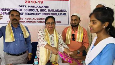 Photo of Assam: Students of govt schools receive free textbooks in Hailakandi